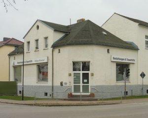 Foto der Bestattungen und Trauerhilfe Heidesee OT Friedersdorf Geschäftseingang